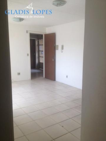 Apartamento 2 dormitórios com estacionamento no Residencial Toscana