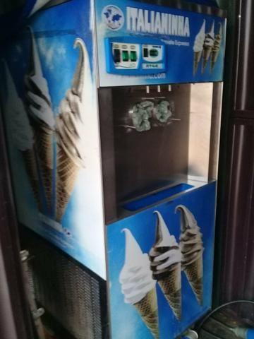 Vendo maquina de sorvete ano 2016 e contenier - Foto 2