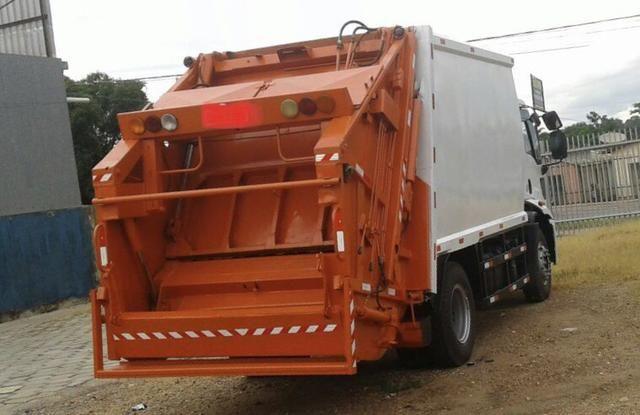 Aluguel caminhão compactador prensa coletor de lixo - Foto 13