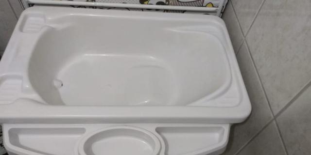 Berço, colchão e banheira com trocador - Foto 6