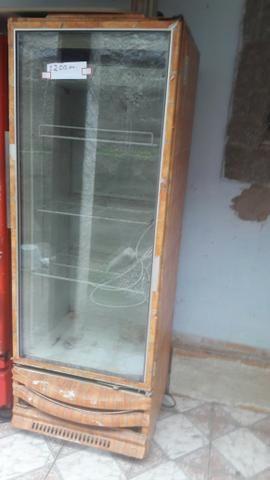 Venda de geladeira expositora