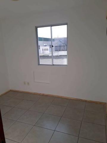 Alugo apto de 2 quartos - Foto 3