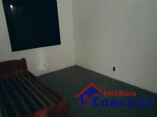 C04 - Linda residência próxima à Avenida principal - Foto 12