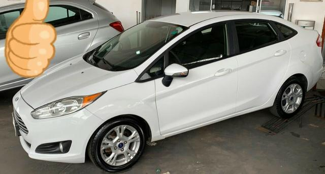 New fiesta sedan Se 1.6 power Shift