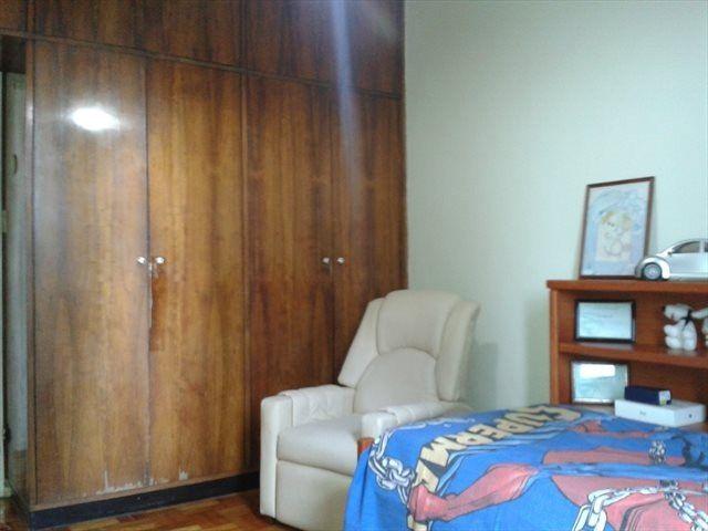 Excelentes vagas e quartos no Ingá - Ótima localização, arejado e iluminado - Foto 2