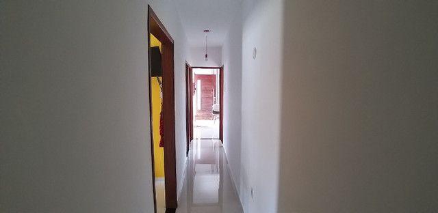Casa cond. solar dos cantarinos 03 quartos, espaço para construir piscina e churrasqueira - Foto 2