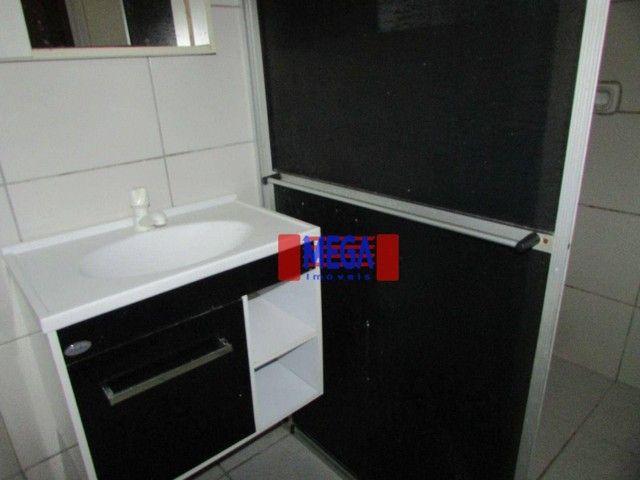 Apartamento com 2 quartos para alugar, próximo à Av. Luciano Carneiro - Foto 8