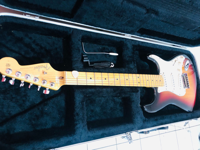 Guitarra Fender Americana  - Foto 6