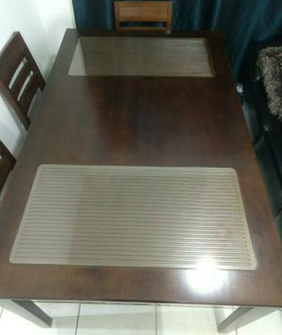 Mesa de Madeira alto padrão com 6 cadeiras