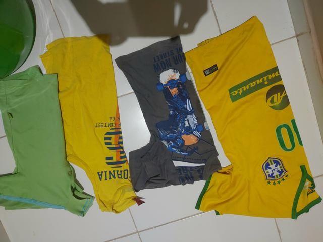 Mochila de Rodinha e Roupas - Foto 4