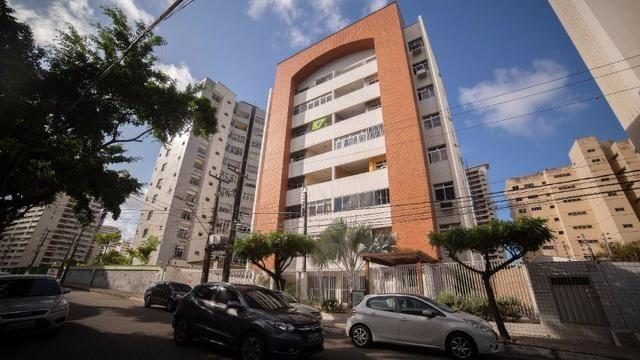 Vende-se Apartamento no Bairro Cocó Próximo Center Box - Foto 2
