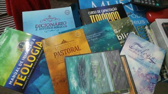 Kite de livros de teológia - Foto 2