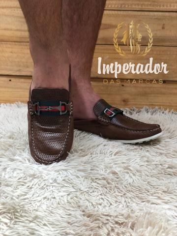 Sapatilhas estilo sandálias