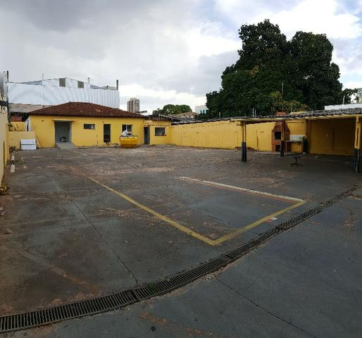 Prédio comercial com 2 blocos e amplo terreno - Foto 3