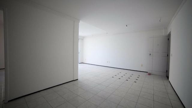 Vende-se Apartamento no Bairro Cocó Próximo Center Box - Foto 12