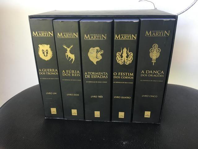 Coleção de livro George R.R MartiN As Crônicas de Gelo e Fogo
