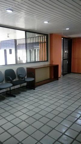 Sala próximo da CERT com 30 m2 02 divisórias 8º andar - Foto 2