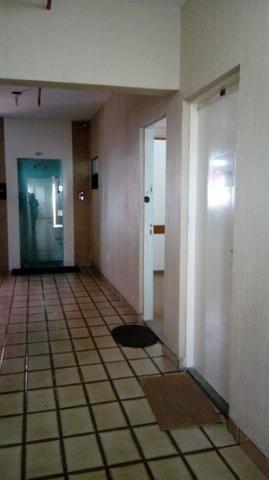 Sala próximo da CERT com 30 m2 02 divisórias 8º andar - Foto 10