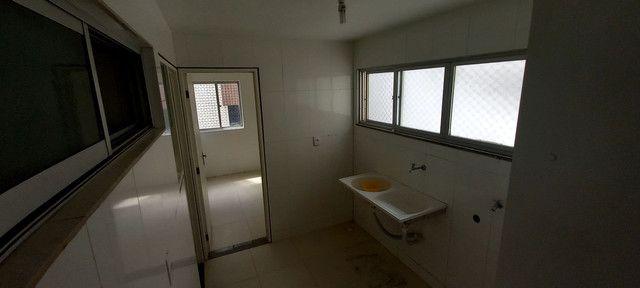 Apartamento na Ponta Verde (Edf.Eça De Queiroz) Oportunidade - Foto 18