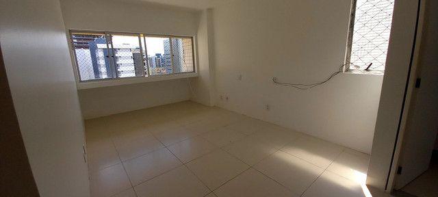 Apartamento na Ponta Verde (Edf.Eça De Queiroz) Oportunidade - Foto 10