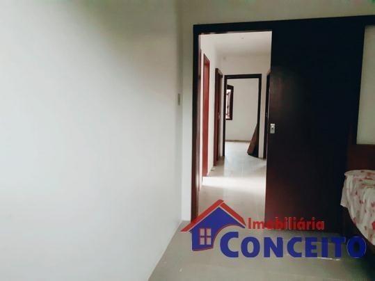 C04 - Linda residência próxima à Avenida principal - Foto 13