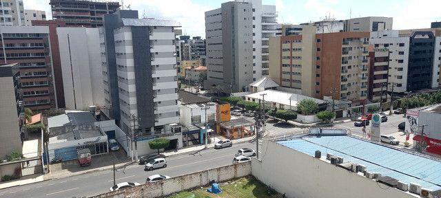 Apartamento na Ponta Verde (Edf.Eça De Queiroz) Oportunidade - Foto 3