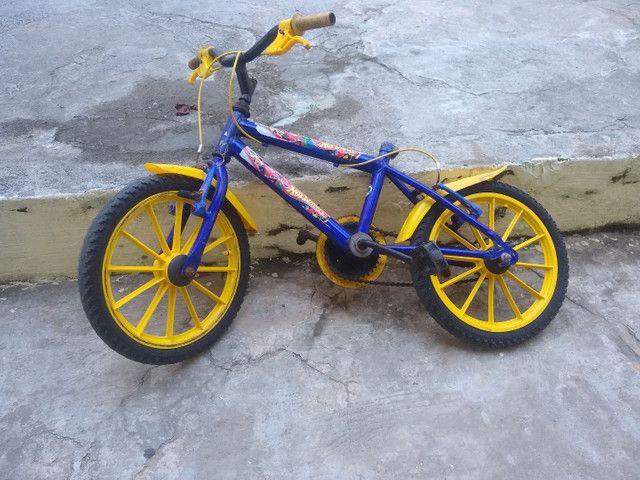 Bicicleta infantil aro 10 - Foto 2