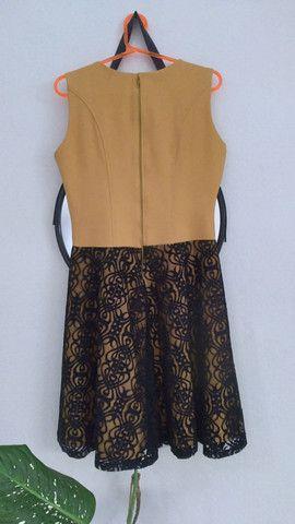 Vestido amarelo com renda preta - Foto 5