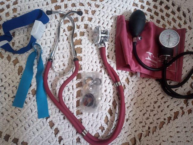Kit Esfigmomanômetro + Estetoscópio Vinho Premium
