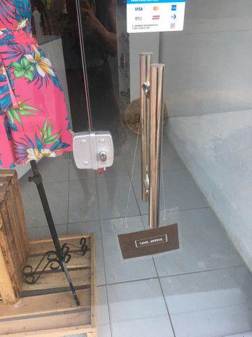 Vitrine e porta para loja - Foto 2