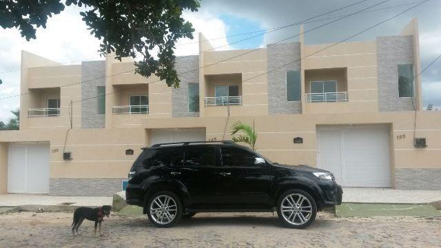 Casa duplex nova no Eusébio