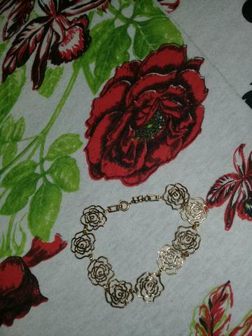 Uma pulseira romanel 150 reais 992314657