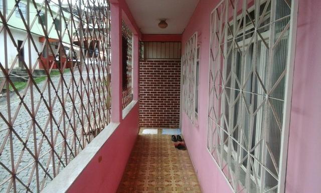 Casa proxima ao centro com duas moradias - Foto 2