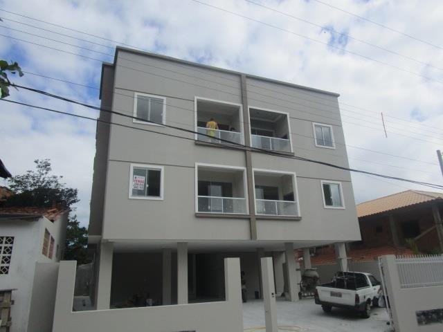 MC-AP0324 Lindo apartamento amplo,sendo 2 dormitórios e sacada com churrasqueira