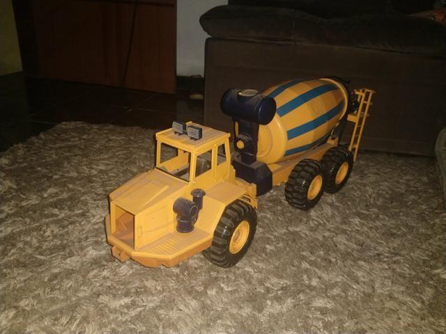 Caminhão de brinquedo - Foto 3