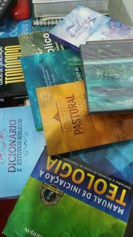 Kite de livros de teológia - Foto 3