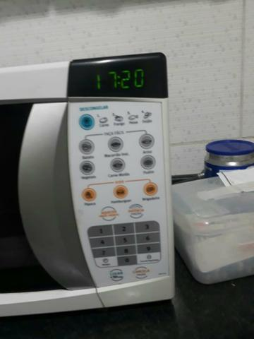 Vendo ou troco micro-ondas 20 litros - Foto 2
