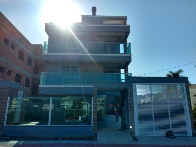 Apto 02 dormitórios sendo 01 suíte- Praia de Palmas