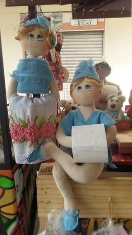 Bonecas de pano porta papel e porta toalha