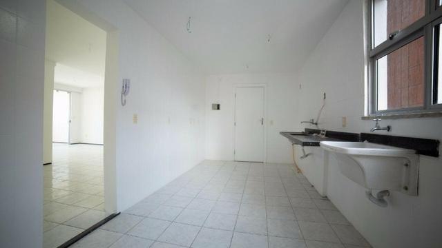 Vende-se Apartamento no Bairro Cocó Próximo Center Box - Foto 18