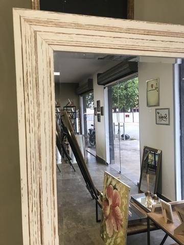 Espelho Grande com moldura branca demolição - Foto 6