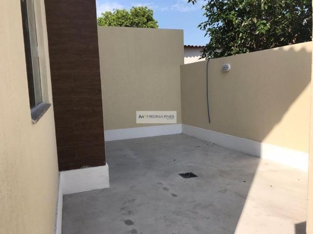 Linda Casa com quintal no Centro de São Gonçalo - Ótima localização - Foto 2
