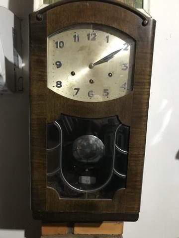 Relógio antigo de colecionador
