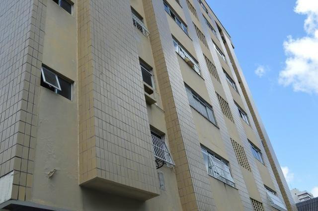 Apartamento com 3 dormitórios à venda, 89 m² por R$ 319.000 Meireles