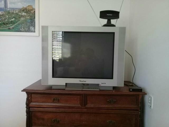 Televisão philco real flat