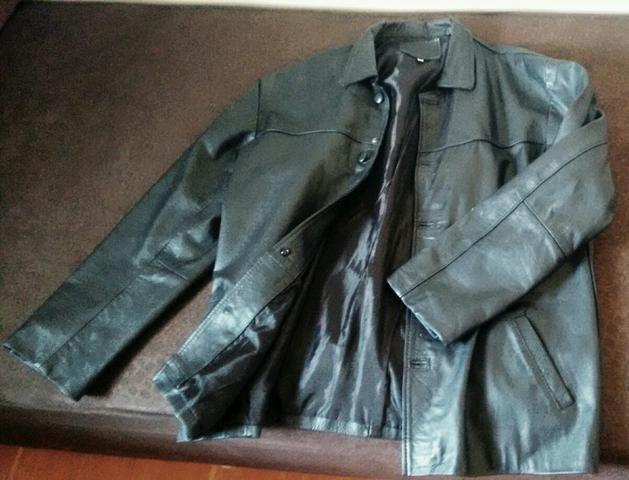 Jaqueta de couro* baratassa
