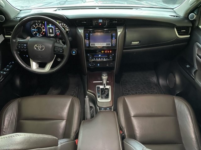 Toyota hilux sw4 2019 2.8 srx 4x4 7 lugares 16v turbo intercooler diesel 4p automÁtico - Foto 8