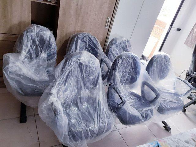 Cadeiras germinada - longarina - com braço 3 lugares