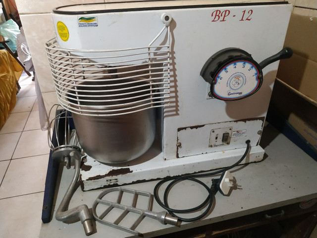 R$2.150,00- Batedeira industrial 12 kg - Foto 3