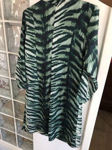 Vestido verde de tecido fino - Foto 2